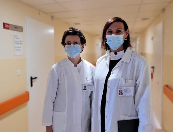 LSMU Kauno ligoninės Slaugos klinikos vadovė dr. Lina Urbietė ir socialinė darbuotoja Vaida Šernienė